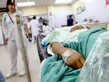 Resultado de imagen para enfermos en hospitales
