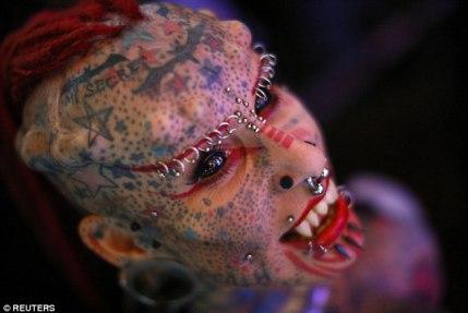 María José Cristerna, es la mexicana tatuada mas famosa, conocida como el vampiro Mujer