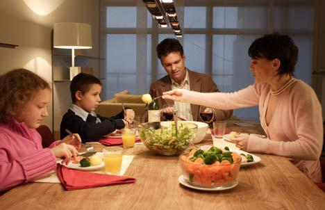 La vida es lo que pasa alrededor de la mesa unidos - El comedor de familia ...