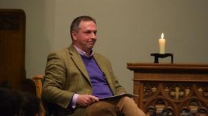 Steve McKenna, durante el debate. / Freechurch.