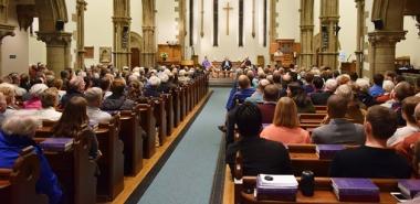 (La iglesia de Mayfield Salisbury durante el debate).