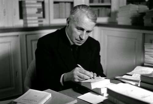 El antropólogo francés Georges Bataille